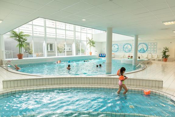 Sport Verhuur Zwembad Oerhollands Genieten Op Marinapark Volendam